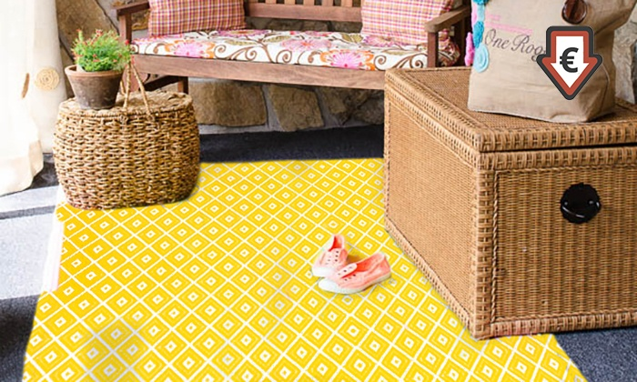 tapis en plastique recycl groupon. Black Bedroom Furniture Sets. Home Design Ideas