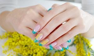 Bliss (Milano): 3 o 5 manicure e pedicure con smalto classico o semipermanente al centro estetico Bliss (sconto fino a 86%)