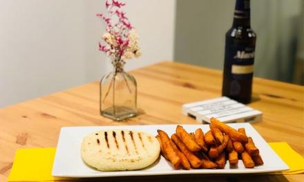 Menú venezolano para 2 o 4 personas para llevar o consumir en el local desde 12,90 € en Full Arepa Gourmet
