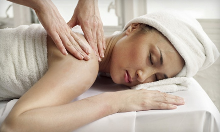 LuLu Massage - Southern Park Mall: $30 for 60-Minute Acupressure or Reflexology Treatment for Body or Feet at LuLu Massage ($60 Value)
