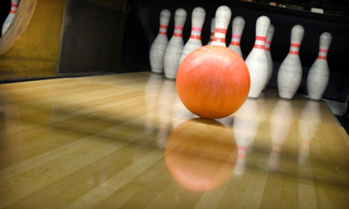 Pinz Kalamazoo - Knollwood: $19 for Two Hours of Bowling, Pizza, and Drinks for Four at Pinz Kalamazoo ($59.99 Value)