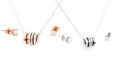 Set de pendientes y collar adornado con cristales