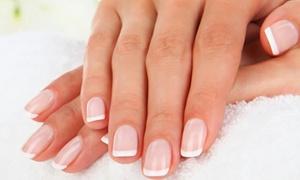 Viola Di: Manicure hybrydowy (34.99 zł) z zabiegiem pielęgnacyjnym na dłonie (44,99 zł) i więcej opcji w salonie Viola Di