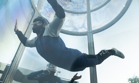 Uno o 2 ingressi open al simulatore di caduta libera per adulti o bambini da Fly X (sconto fino a 26%)