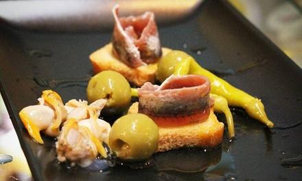 Menú de tapeo para 2 o 4 con tapas y cañas, vermut o botella de vino desde 16,90 € en 2 locales La Cala del Vermut
