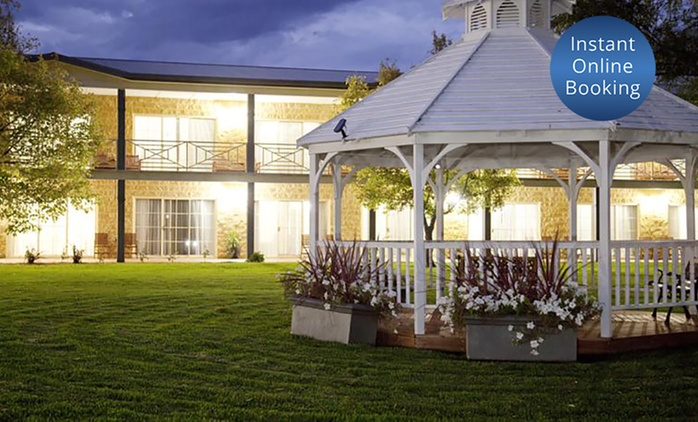 Mudgee: Up to 3 Nights for Up to 4 with Breakfast and Late Check-Out at 4* The Parklands Resort