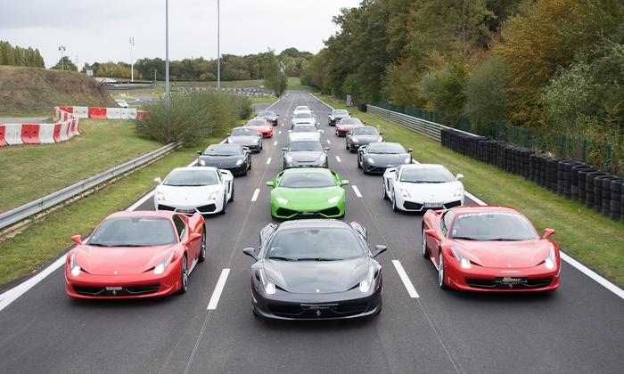 Stage de pilotage 2 tours sur circuit au volant de voitures mythiques à 35 € avec Motors Consulting