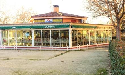 Menú para 2 con entrantre, 1 kg de cigalitas o gambón, postre y bebida en Valadouro (hasta 50% de descuento)