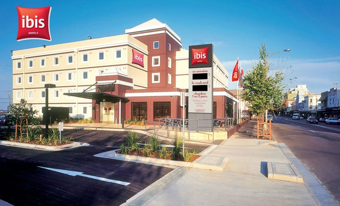 Newcastle: 1-3 Night City Break with Breakfast, WiFi, Parking and Late Checkout at Ibis Newcastle