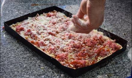 Menú con 6 o 12 porciones de pizza y 2 o 4 bebidas desde 9,95 € en El Panzerocho