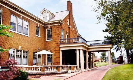 Option 1: One Night with Appetizers and Drinks  - Kennedy Mansion Bed and Breakfast in Tulsa