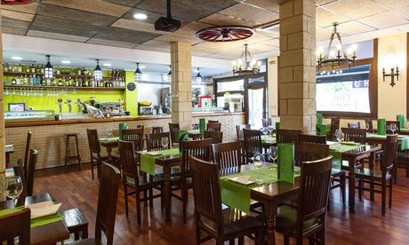 Menú para 2 o 4 con entrantes, principal, bebida, postre y opción a combinado desde 29,95 € en El Nuevo Virrey Oferta en Groupon