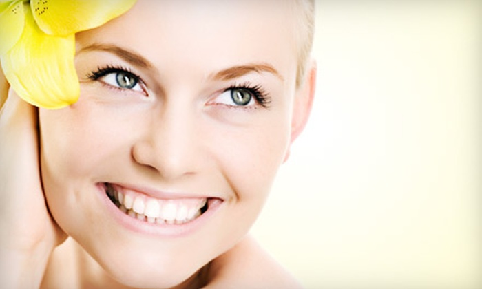 Skin Paradise - Lannon: $30 for a One-Hour Custom Facial at Skin Paradise in Lannon ($60 Value)