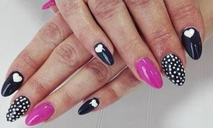 Salon Urody Efekt: Stylizacja paznokci: manicure hybrydowy ze zdobieniem i więcej od 39,99 zł w Salonie Urody Efekt (do -52%)