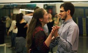 Poznańska Akademia Tańca: Kurs tańca użytkowego (59 zł), latino solo (69 zł) lub towarzyskiego(149 zł) w Poznańskiej Akademii Tańca (do -57%)