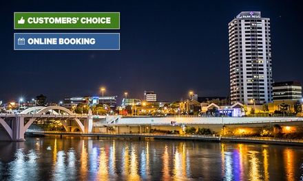 Brisbane, CBD: 1, 2 or 3 Nights for 2 People with Bottle of Wine and Chocs at 4* Park Regis North Quay