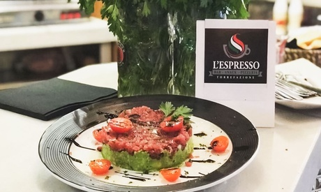 Menú italiano para 2 o 4 con aperitivo, entrante, principal, postre y bebida desde 19,95 € en Lespresso Nonna María