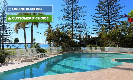 Gold Coast: 3-, 5- or 7-Night Apartment Stay with Wine for 2, 4, or 6 People at Crystal Bay on the Broadwater