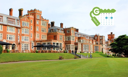 Surrey: Double Room for Two with Breakfast and Drink Voucher at 4* De Vere Selsdon Estate