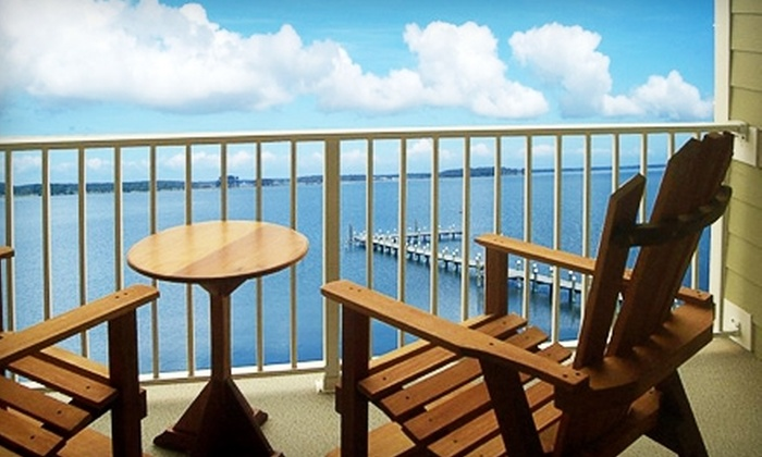 3-Star Top-Secret Piney Point Hotel - St. George Island: $120 for a One-Night Stay, a $30 Dining Credit, and Snacks at Island Inn & Suites in Piney Point (Up to $241 Value)