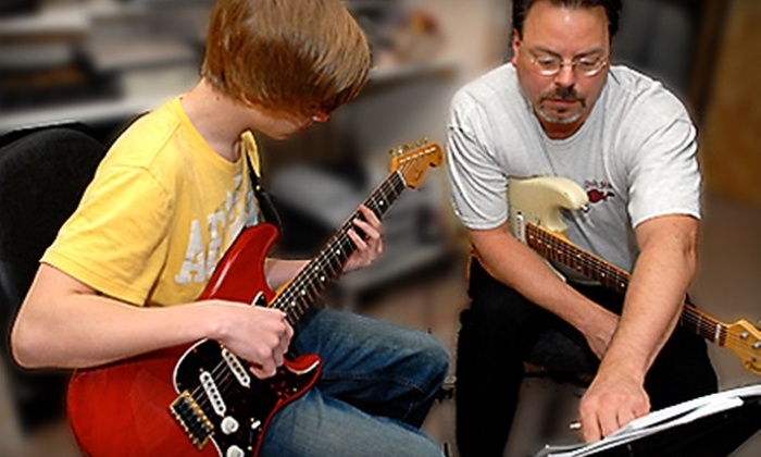 Oslo Studios - Highland Forest: $40 for Four 30-Minute Guitar Lessons at Oslo Studios in Burnsville (Up to $80 Value)