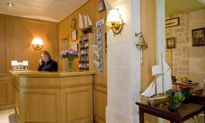 H tel amiral in paris le de france groupon getaways for Groupon hotel paris