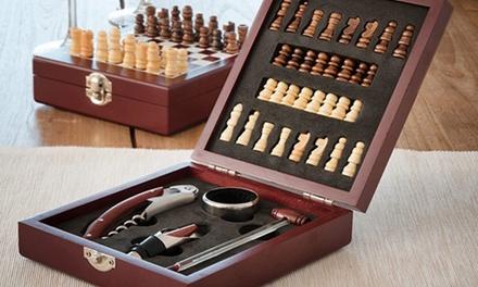 Set da sommelier con accessori da vino e scacchiera