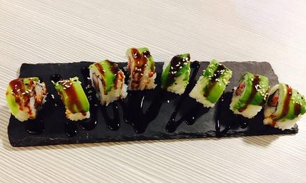 Menu sushi più birra in centro