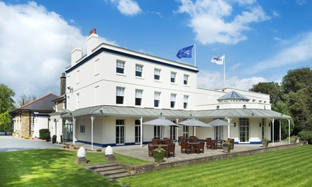 Essex: 2 Nights for Two with Breakfast, Wine and Option for Dinner at Park Inn by Radisson Thurrock