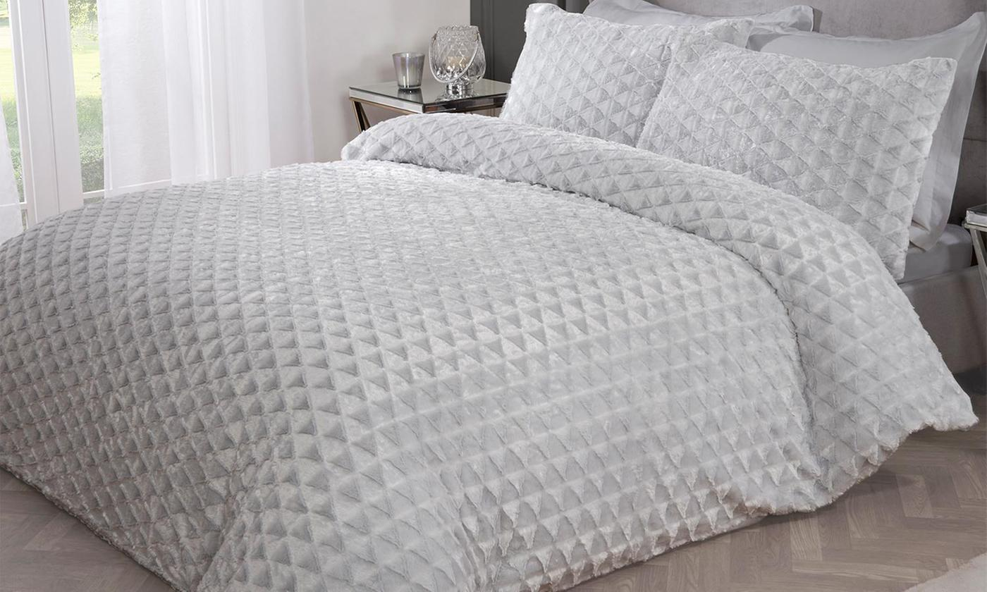 Pieridae Textured Faux Fur Duvet Set