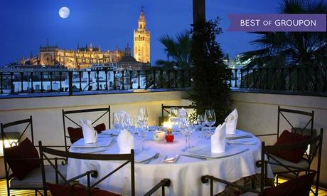 Menú para 2 o 4 con aperitivo, copa de cava, entrante, principal, postre y bebida desde 59,95 € en El Mirador de Sevilla