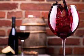 The Village Wine: Wijnabonnement van 6 flessen per seizoen gedurende een jaar thuisgeleverd bij The Village Wine