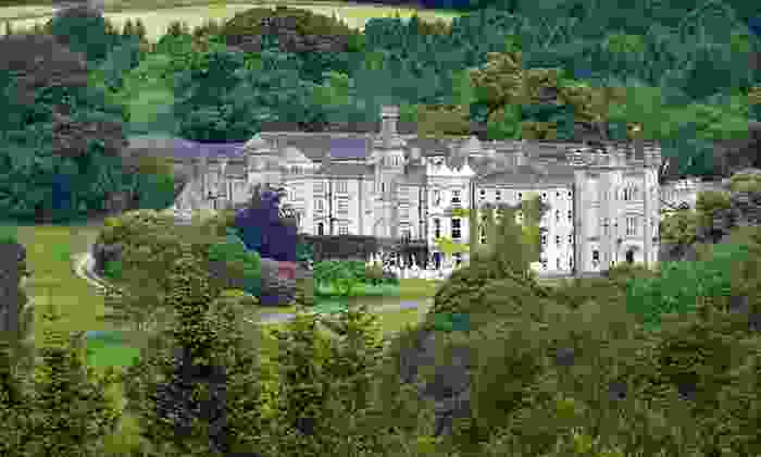 Irish Castle Vacation with Airfare and Rental Car: Six-Night Vacation of Irish Castles with Airfare and Rental Car During Spring from Great Value Vacations