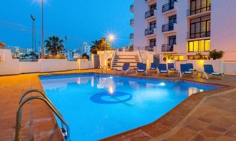 Ibiza: 3, 5 o 7 noches en hotel o apartamento para 2 personas