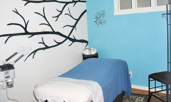 Flawless Day Spa - Flawless Day Spa: $39 for One 60-Minute Swedish or Deep-Tissue Massage at Flawless Day Spa ($80 Value)