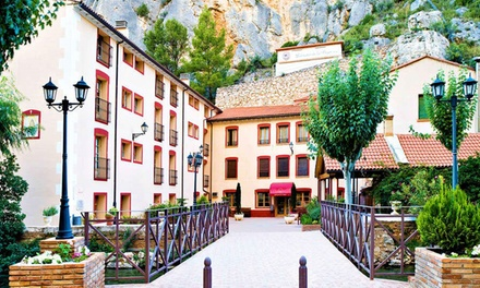Jaraba: habitación estándar para 2 con desayuno o media pensión y entrada al lago termal en Hotel Balneario de la Virgen