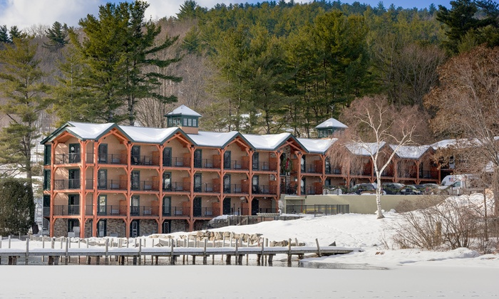 New England Inn on Shores of Lake Winnipesaukee