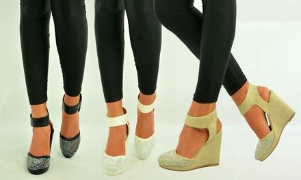 Sandales cloutées à talon haut, coloris et pointure au choix