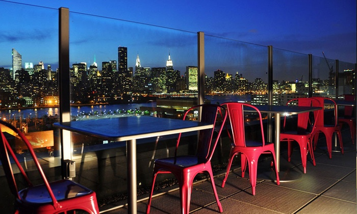 Z NYC Hotel - Queens, NYC: $115 for a One-Night Stay for Two with Bottle of Wine or Champagne at Z NYC Hotel in New York (Up to $222 Value)