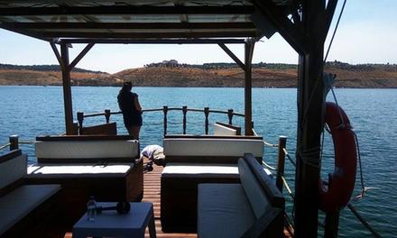 Paseo en barco para 2, 4 o 6 personas con opción a botella de vino o sushi desde 19,95 € en Barco Turístico Ecológico