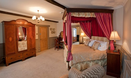 Llandovery: 1 or 2 Nights for Two with Breakfast and Glass of Wine at The Castle Hotel