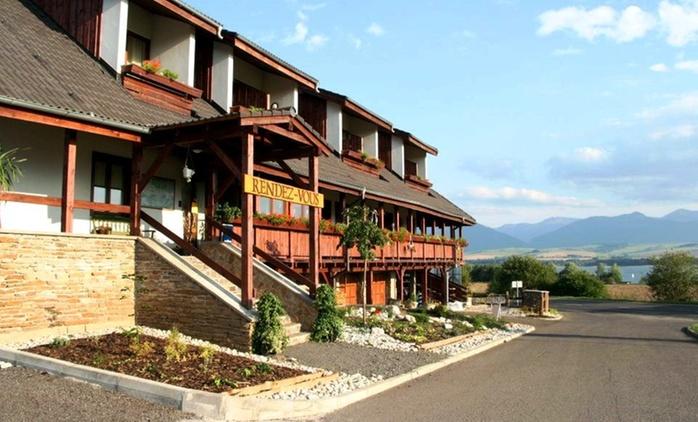 Słowacja - Liptovský Trnovec: 3-8 dni dla 2 osób z wyżywieniem, sauną, jacuzzi i więcej w Hotelu Rendez Vous 3*