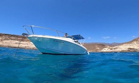 Alquiler de barco con patrón durante 3 horas para hasta 8 personas con Frillo Charter