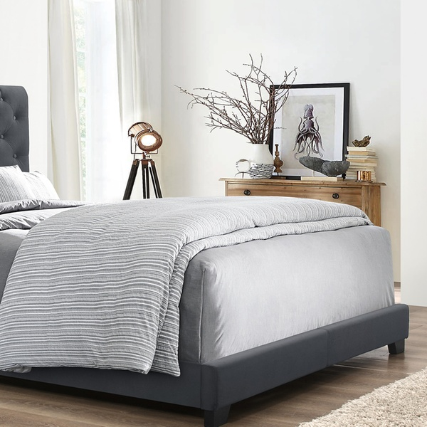 Swell Baxton Studio Candace Chesterfield Hollywood Glamour Platform Bed Lamtechconsult Wood Chair Design Ideas Lamtechconsultcom