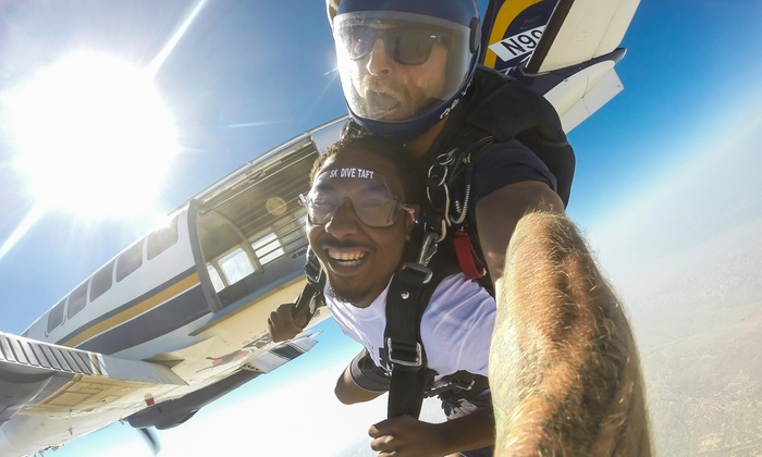 Skydive Taft - Taft: $199 for a Tandem Skydive Jump with Souvenir T-Shirt, Photos, and Video from Skydive Taft ($314 Value)
