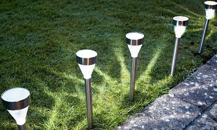 Groupon Goods Global GmbH: 6 ou 12 lampes LED pour sol dès 15,98 € (jusqu'à 61% de réduction)