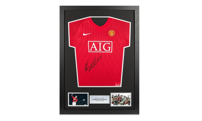new concept 74eed 1df8d Framed Cristiano Ronaldo Signed Manchester United Shirt from 2007/2008 With  Free Delivery