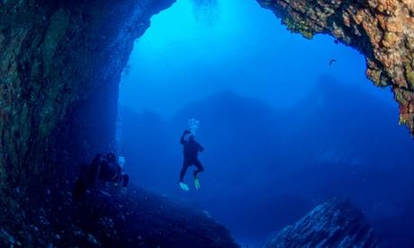 Curso certificado de buceador Open Water Diver con 6 inmmersiones en el mar para 1 persona por 190 € con Pozo Scuba