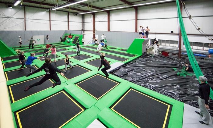 Move Artistic Dome - Move Productions: Tageseintritt mit Trampolin/ Ninja Parcours / Akrobatik und Kursen für 2-5 Personen bei MAD (50% sparen*)
