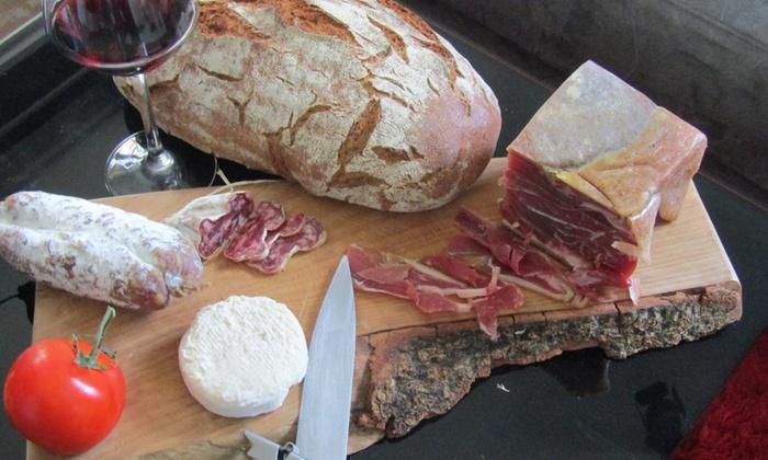 Les Maitres Cavistes - Salernes: 1 planche mixte (charcuterie et fromage) avec un verre de vin chacun pour 2 personnes à 21,90€ chez Les Maitres Cavistes